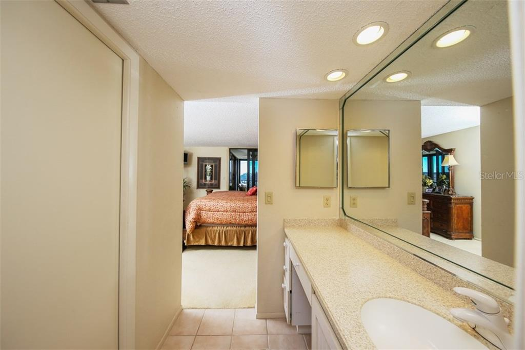 Master Bedroom - Condo for sale at 5760 Midnight Pass Rd #d702, Sarasota, FL 34242 - MLS Number is D5916943