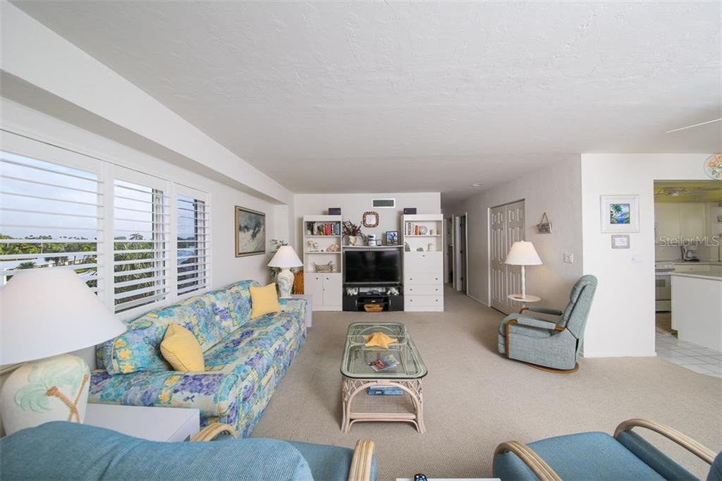 Condo for sale at 5830 Midnight Pass Rd #305, Sarasota, FL 34242 - MLS Number is D5920616