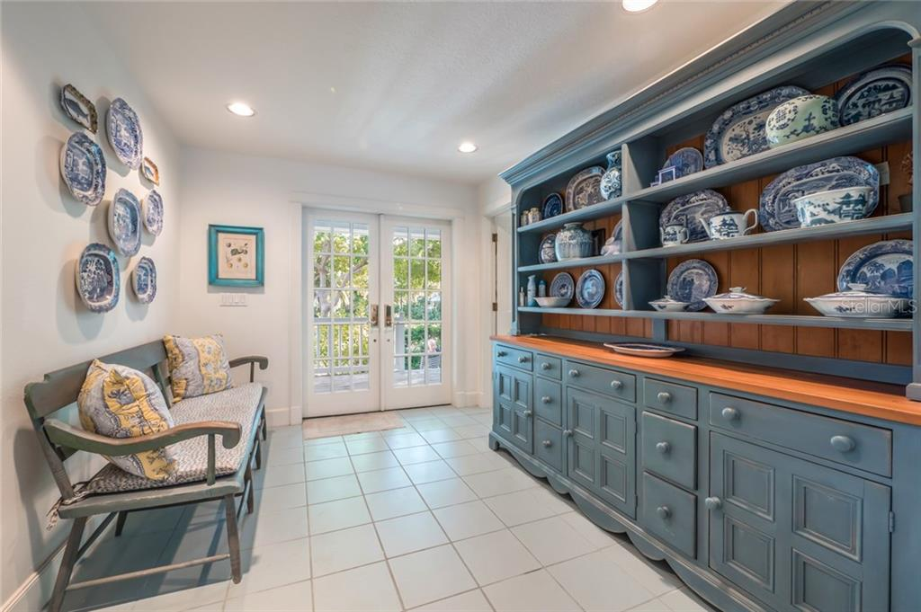 Front entry - Single Family Home for sale at 186 Carrick Bend Ln, Boca Grande, FL 33921 - MLS Number is D5923688