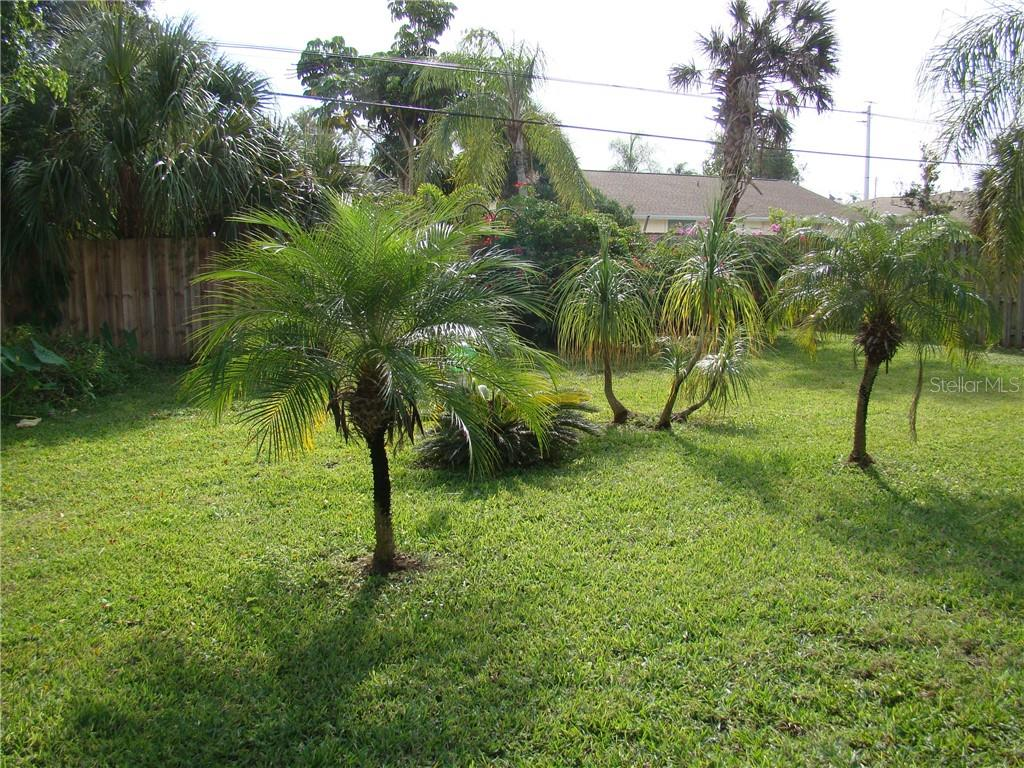 Single Family Home for sale at 1453 Crest Dr, Englewood, FL 34223 - MLS Number is D6103487