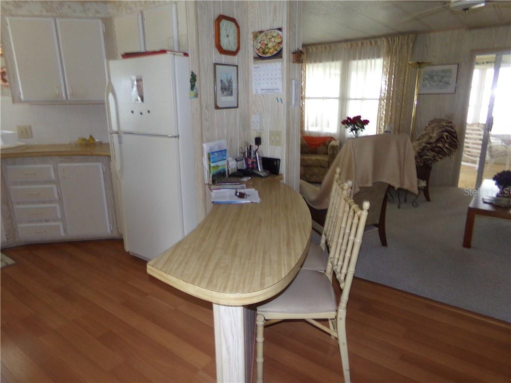Breakfast Bar - Manufactured Home for sale at 6294 Bunting Ln, Englewood, FL 34224 - MLS Number is D6103685