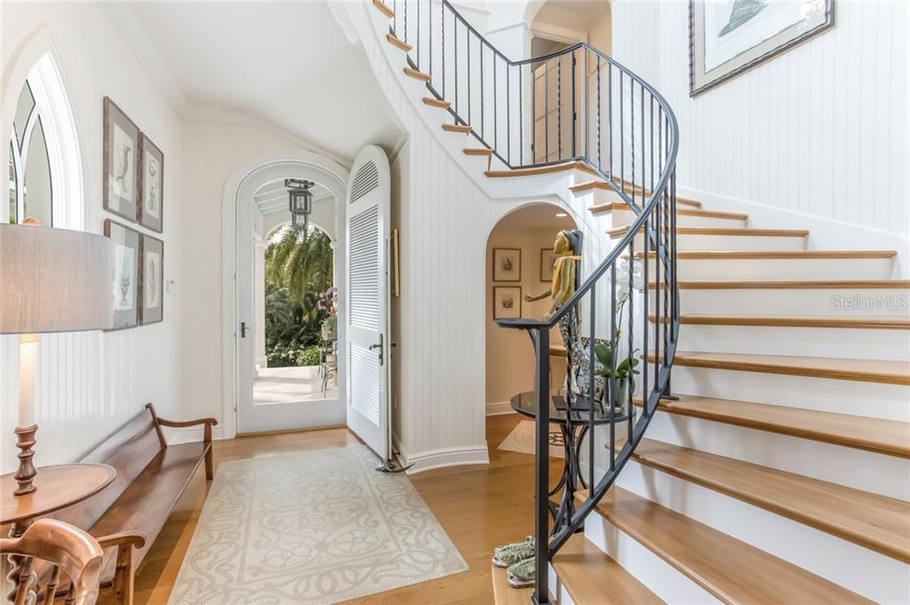 Staircase - Single Family Home for sale at 300 Lee Ave, Boca Grande, FL 33921 - MLS Number is D6106440