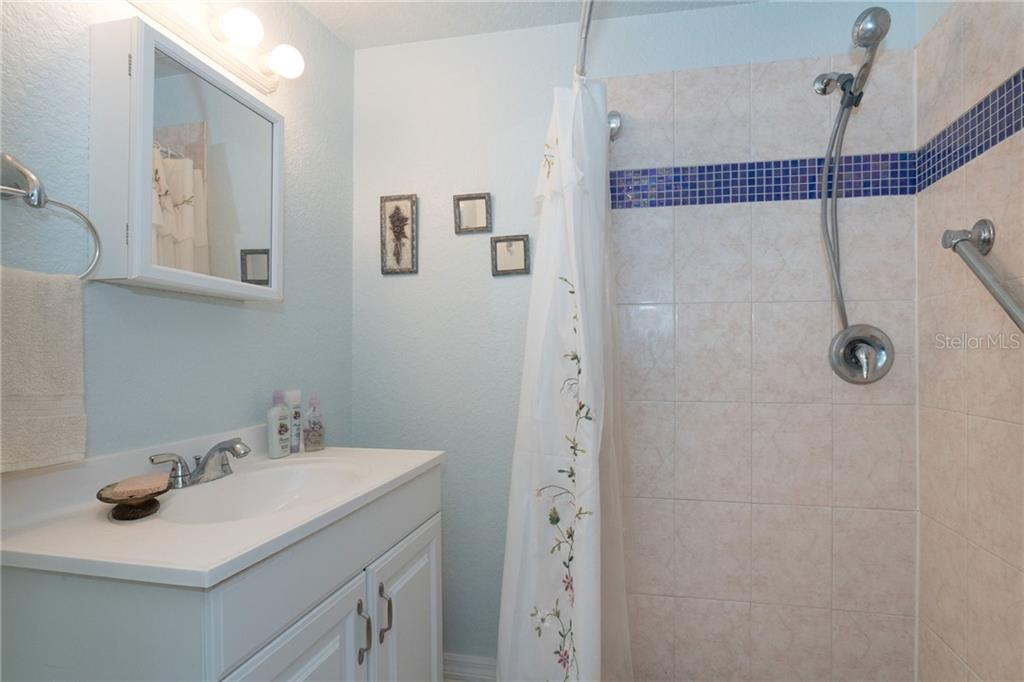 guest bathroom - Single Family Home for sale at 190 W Wentworth St, Englewood, FL 34223 - MLS Number is D6106918