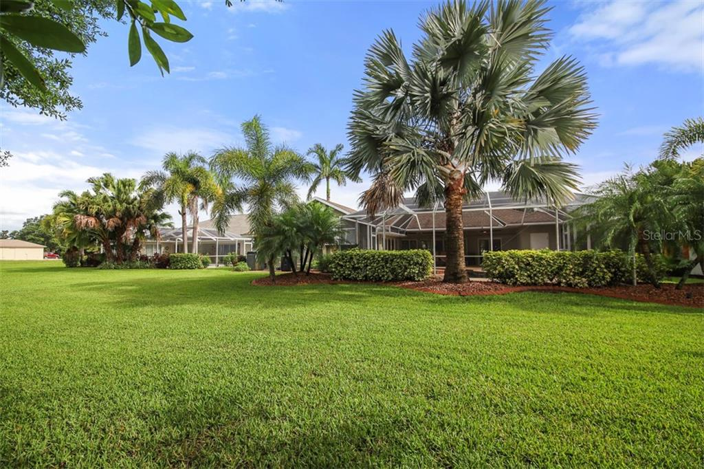 Spacious backyard - Single Family Home for sale at 254 Rotonda Blvd E, Rotonda West, FL 33947 - MLS Number is D6107401