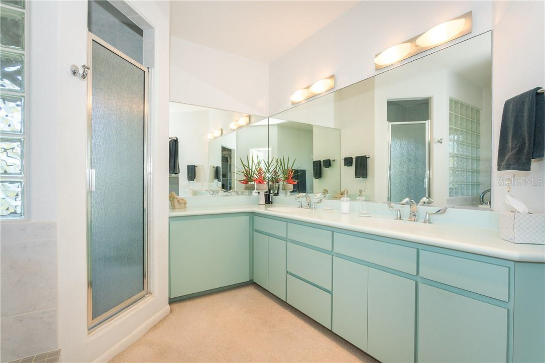 Master Bathroom. - Single Family Home for sale at 5 Pointe Way, Placida, FL 33946 - MLS Number is D6110468