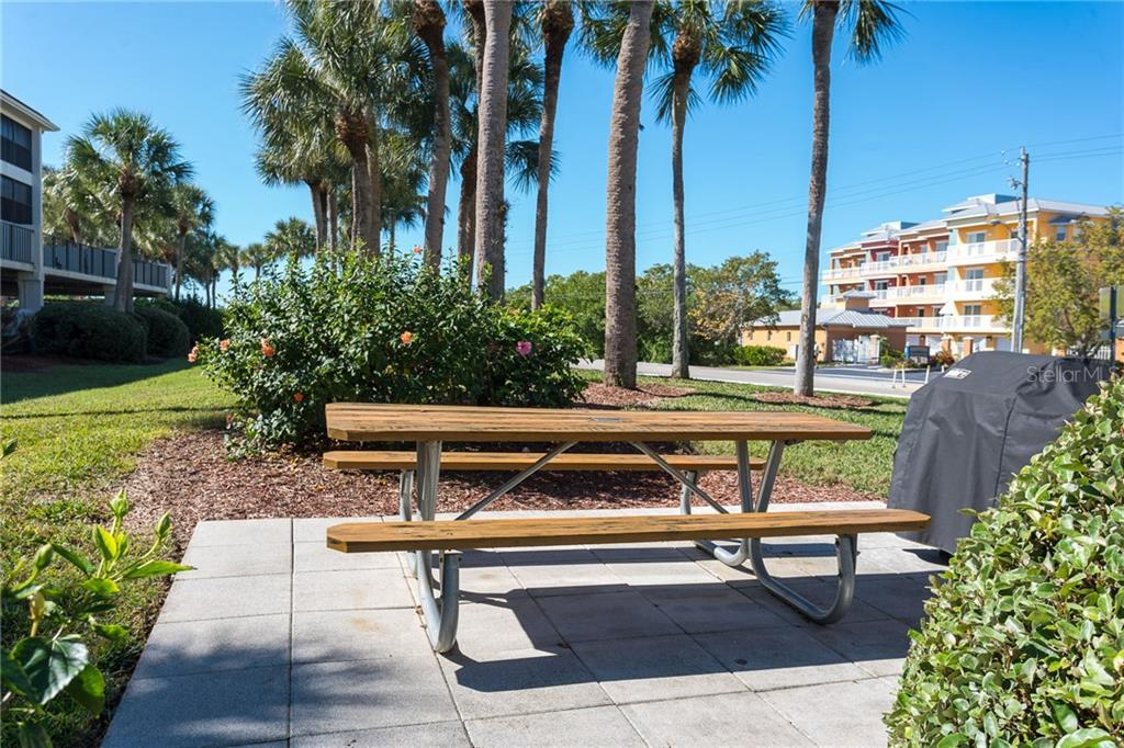 Grilling & picnic area - Condo for sale at 1551 Beach Rd #412, Englewood, FL 34223 - MLS Number is D6110828