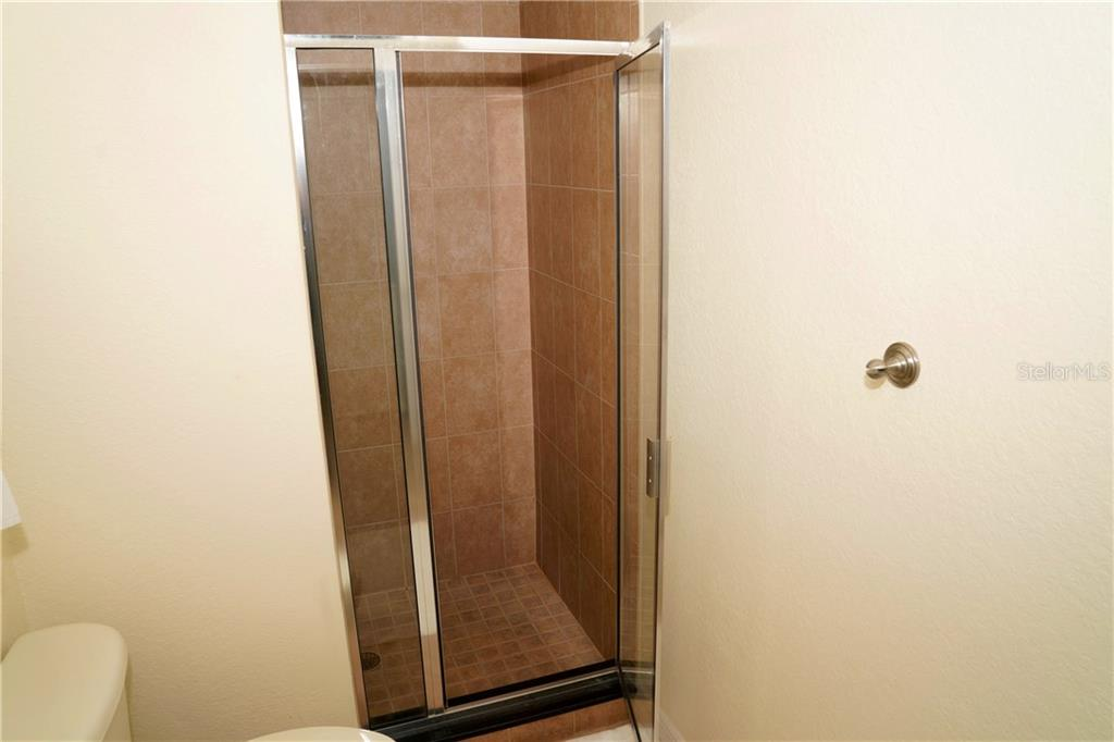Full bath w/shower off 2nd bedroom - Condo for sale at 2245 N Beach Rd #304, Englewood, FL 34223 - MLS Number is D6112346
