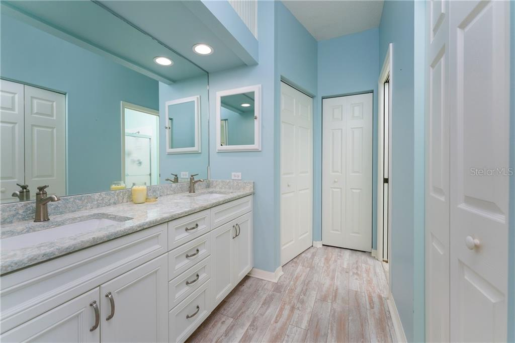 Master Bathroom - Villa for sale at 849 Tartan Dr #10, Venice, FL 34293 - MLS Number is D6115682