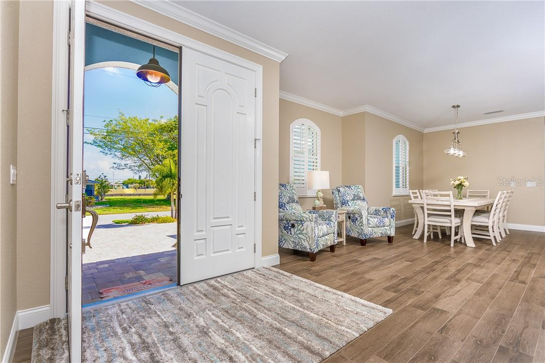 Large welcoming entry way - Single Family Home for sale at 145 Leland St Se, Port Charlotte, FL 33952 - MLS Number is D6117438