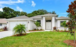 419 Lake Of The Woods Dr, Venice, FL 34293