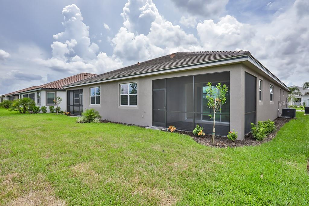 Villa for sale at 11840 Tapestry Ln #171, Venice, FL 34293 - MLS Number is T3105747