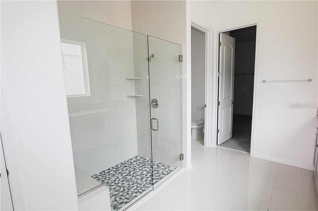 Master bath walk in shower - Single Family Home for sale at 13804 American Prairie Pl, Bradenton, FL 34211 - MLS Number is T3123072