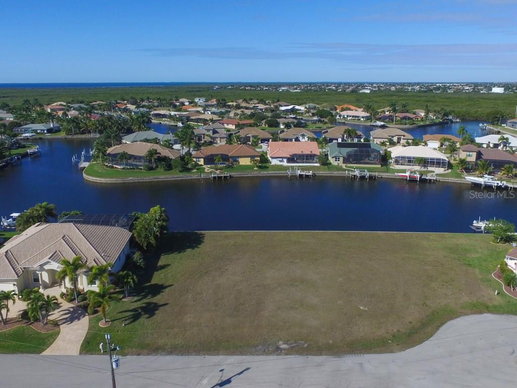 4019 Maltese Ct, Punta Gorda, FL 33950 - photo 5 of 10