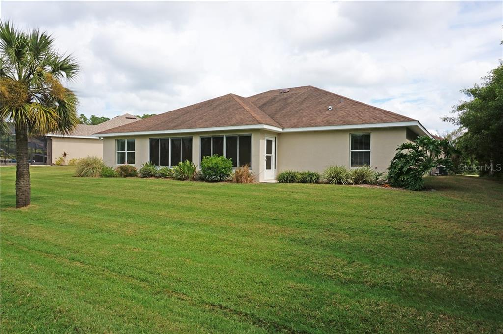 Single Family Home for sale at 13063 Sw Pembroke Cir N, Lake Suzy, FL 34269 - MLS Number is C7407205
