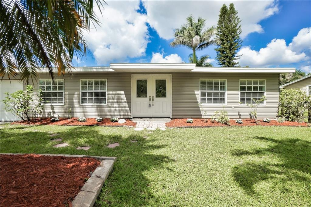 Front View of Property - Single Family Home for sale at 3513 Areca St, Punta Gorda, FL 33950 - MLS Number is C7414620