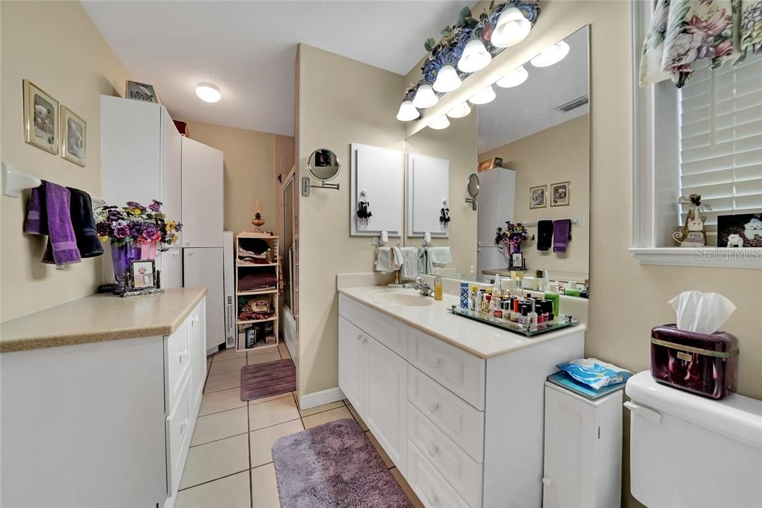 Guest house master bathroom - Single Family Home for sale at 10230 Sw County Road 769, Arcadia, FL 34269 - MLS Number is C7437596