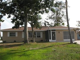 172 Caddy Rd, Rotonda West, FL 33947
