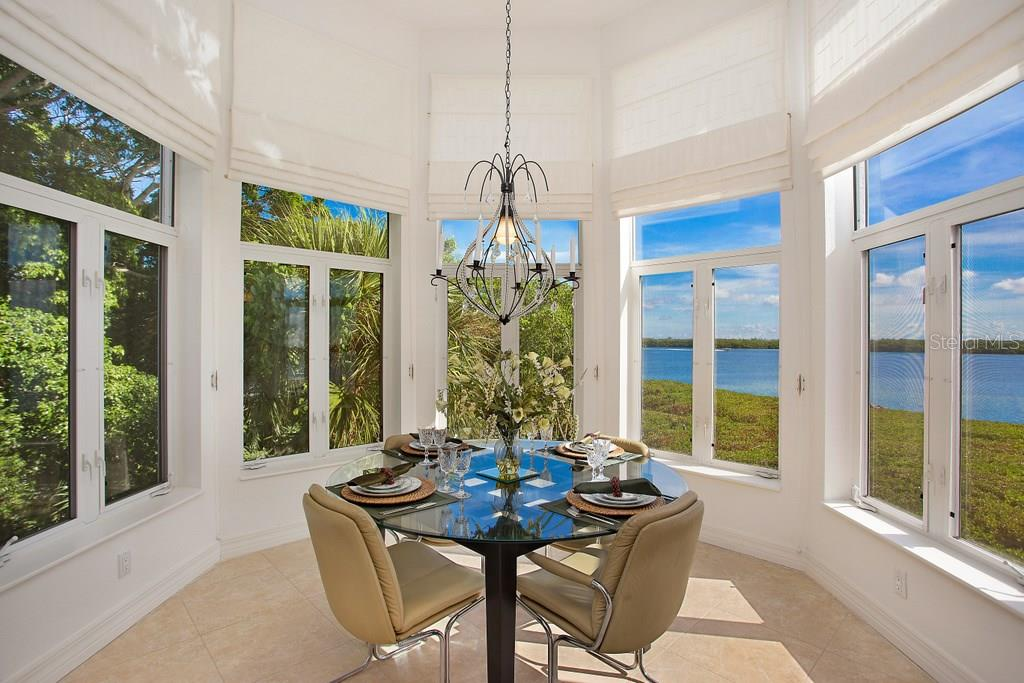 Additional photo for property listing at 741 Hideaway Bay Dr  Longboat Key, Florida,34228 Stati Uniti