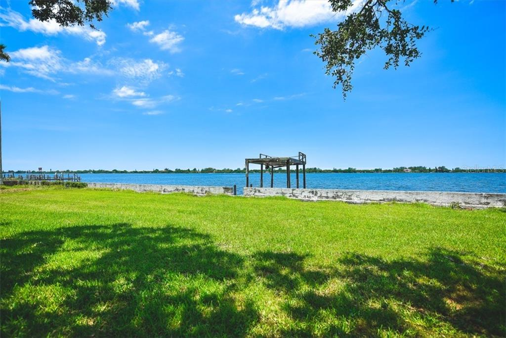 290 feet of water frontage - Vacant Land for sale at 50 W Bay St, Osprey, FL 34229 - MLS Number is A4158305