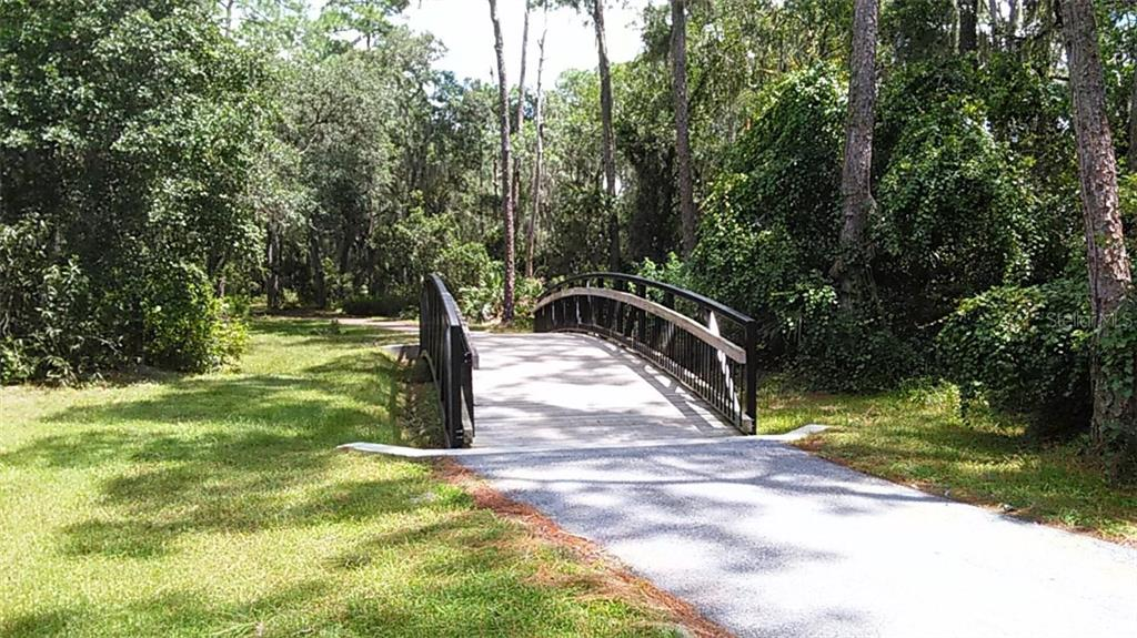 Walking / jogging trails at nearby park. - Single Family Home for sale at 8033 Timber Lake Ln, Sarasota, FL 34243 - MLS Number is A4163187