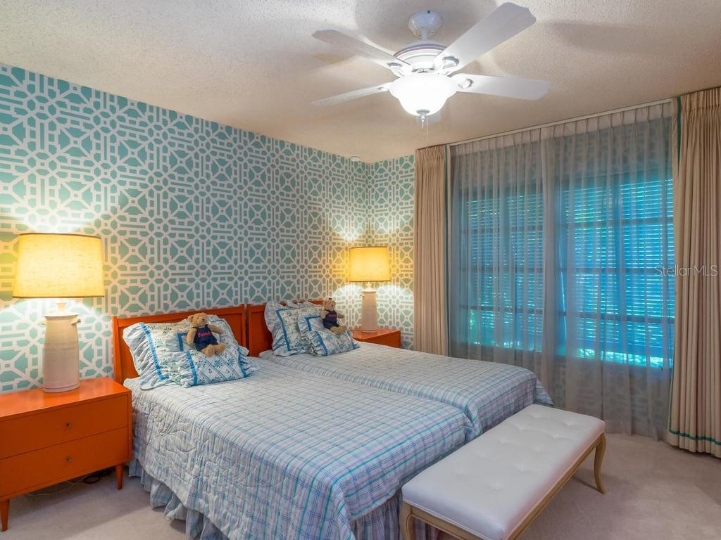 Bedroom 3 - Single Family Home for sale at 554 S Spoonbill Dr, Sarasota, FL 34236 - MLS Number is A4167262