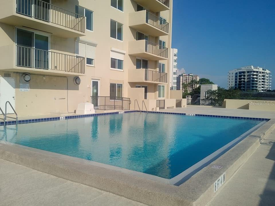 Community Pool - Condo for sale at 101 S Gulfstream Ave #11a, Sarasota, FL 34236 - MLS Number is A4168207