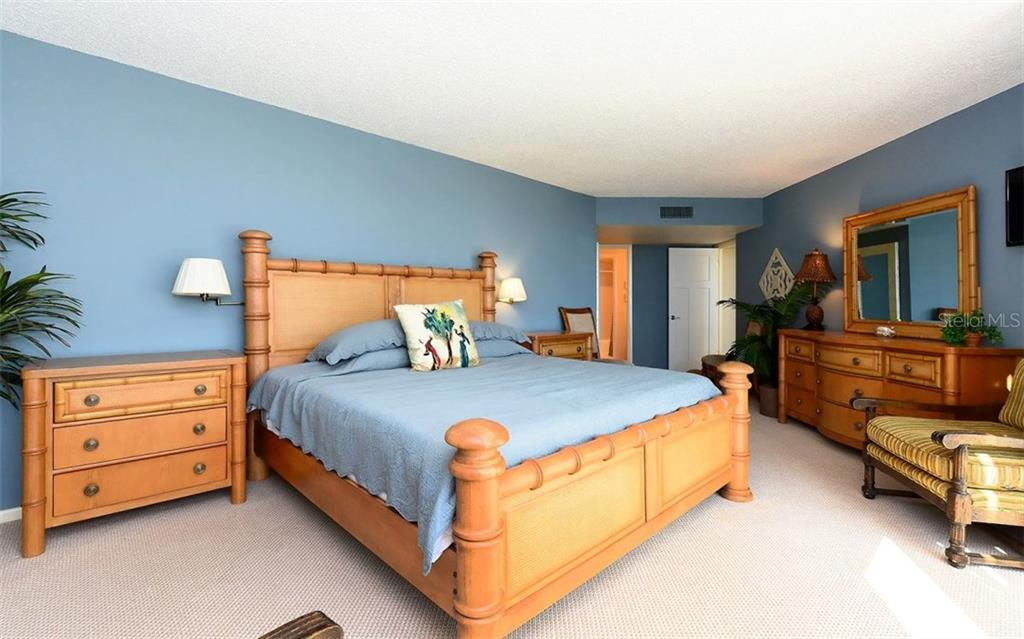Master Bedroom - Condo for sale at 1701 Gulf Of Mexico Dr #505, Longboat Key, FL 34228 - MLS Number is A4170632