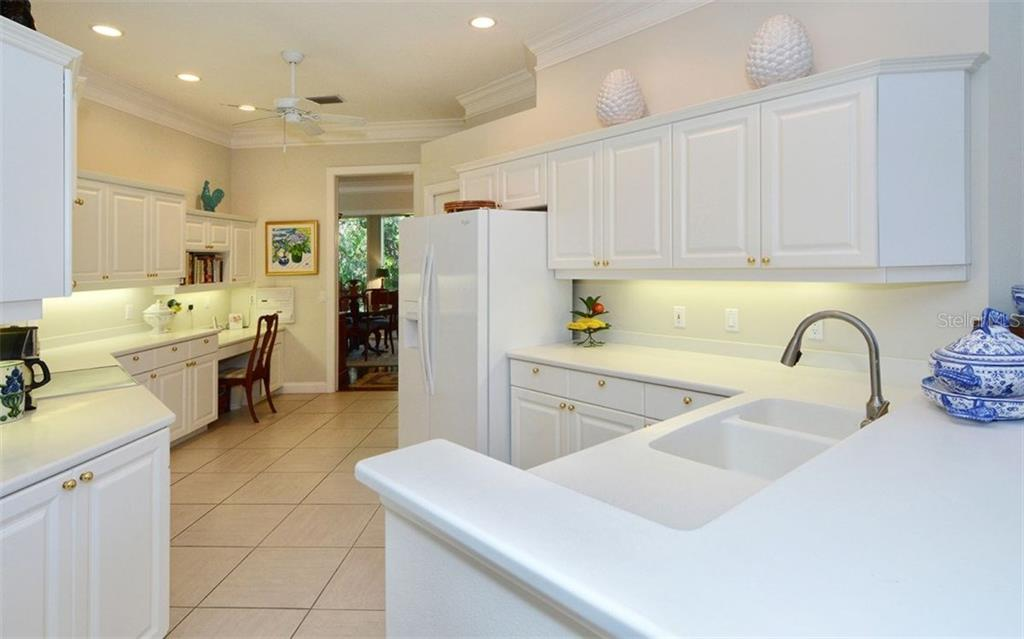 Single Family Home for sale at 12 Bishops Court Rd, Osprey, FL 34229 - MLS Number is A4170704