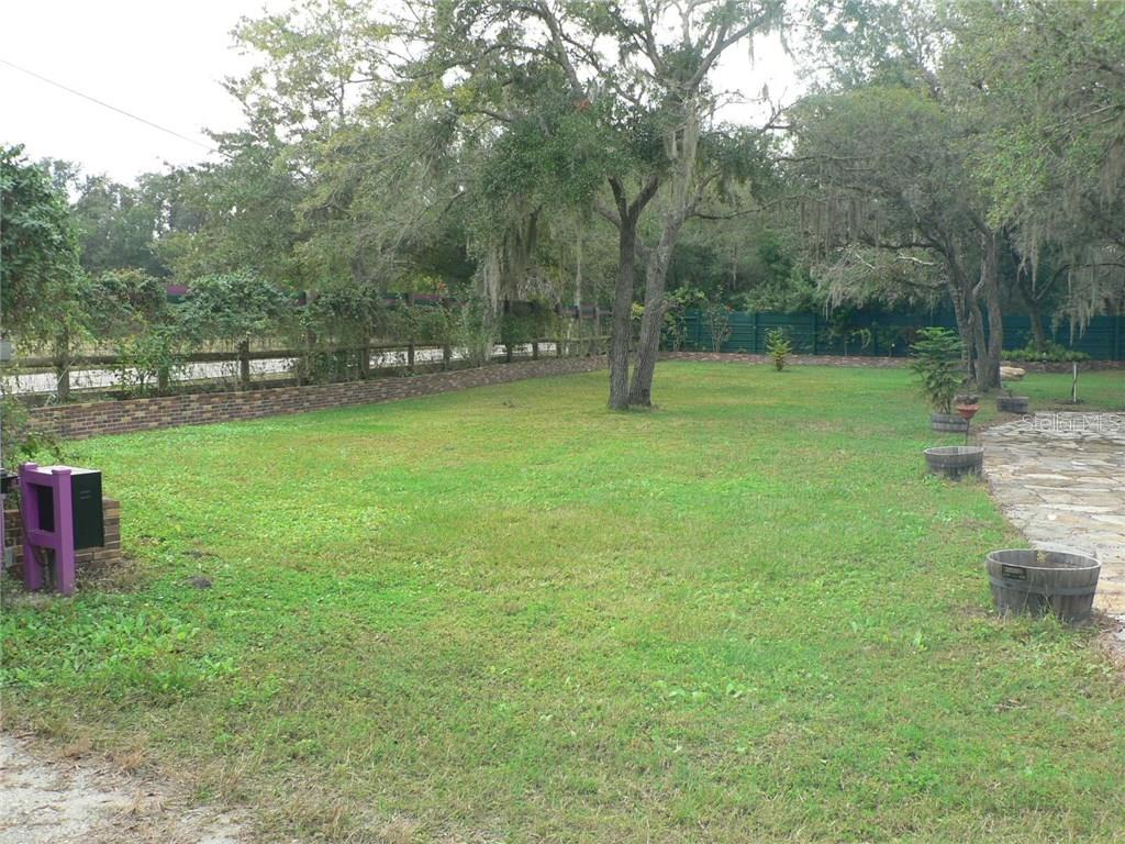 Front Yard - Single Family Home for sale at 16314 Golf Course Rd, Parrish, FL 34219 - MLS Number is A4171555