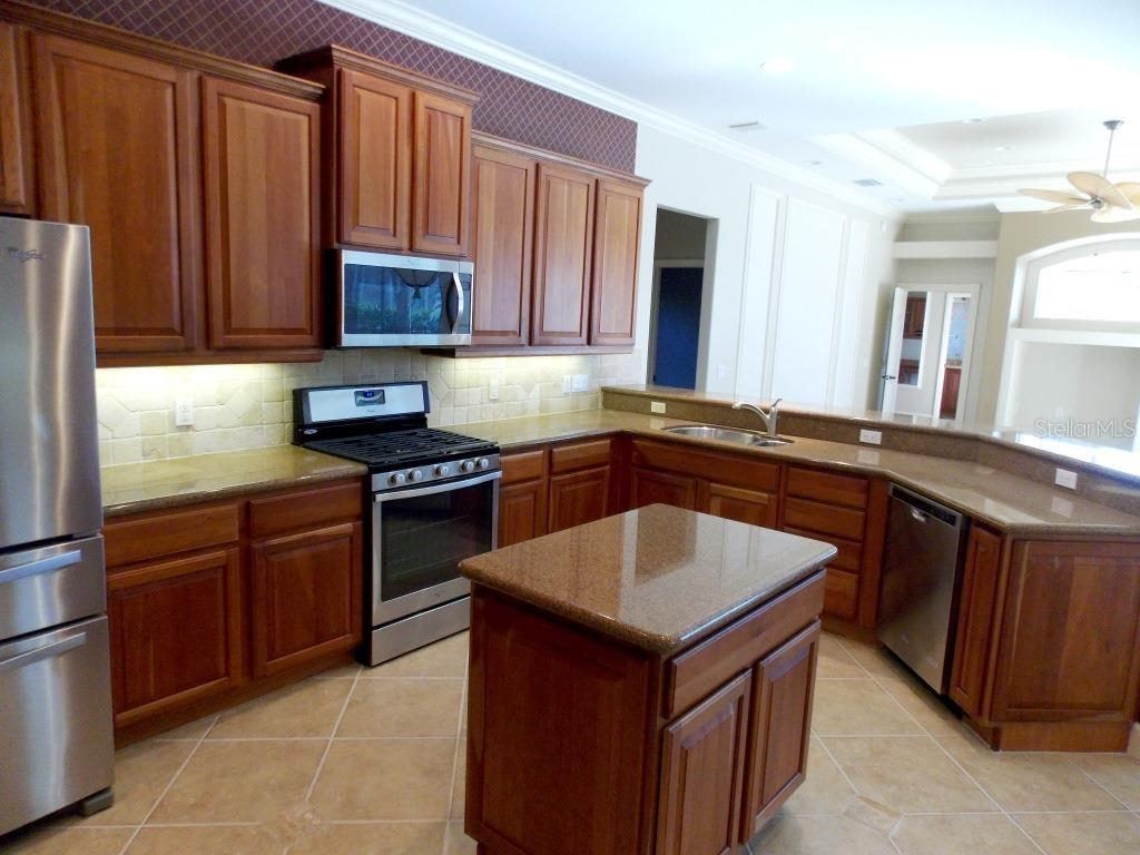 Kitchen - Single Family Home for sale at 13470 Purple Finch Cir, Lakewood Ranch, FL 34202 - MLS Number is A4173216