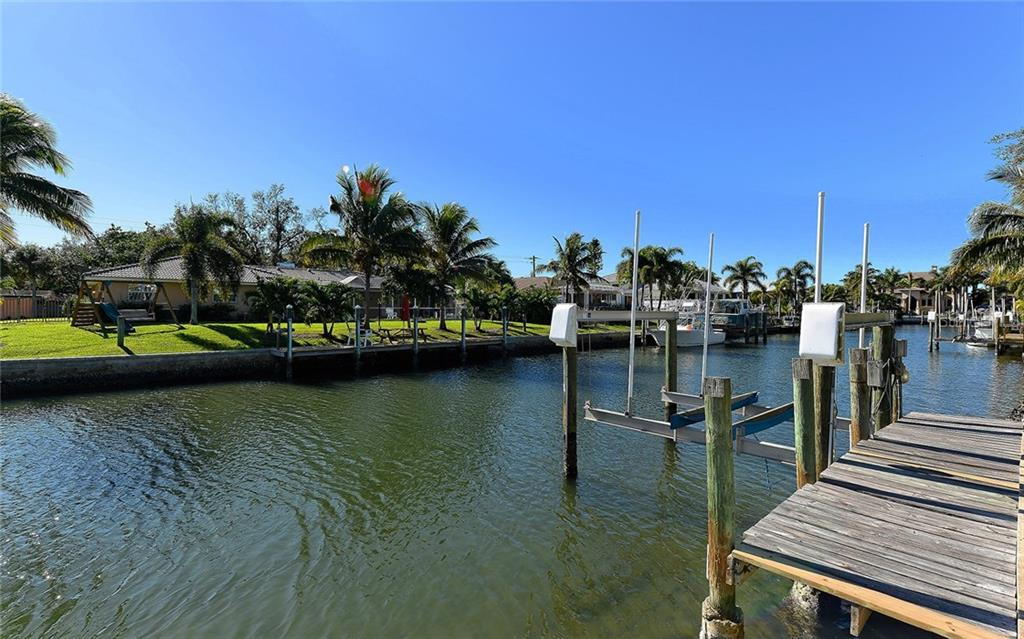 Private Dock with 10,000# Boat Lift - Single Family Home for sale at 1532 Shelburne Ln, Sarasota, FL 34231 - MLS Number is A4173872