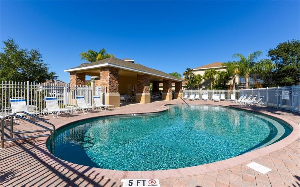 Community Pool - Single Family Home for sale at 6531 38th Ln E, Sarasota, FL 34243 - MLS Number is A4174191