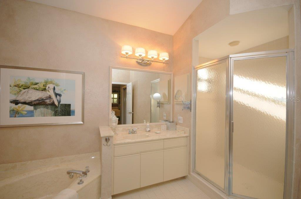 Master bathroom - Condo for sale at Address Withheld, Sarasota, FL 34231 - MLS Number is A4175607
