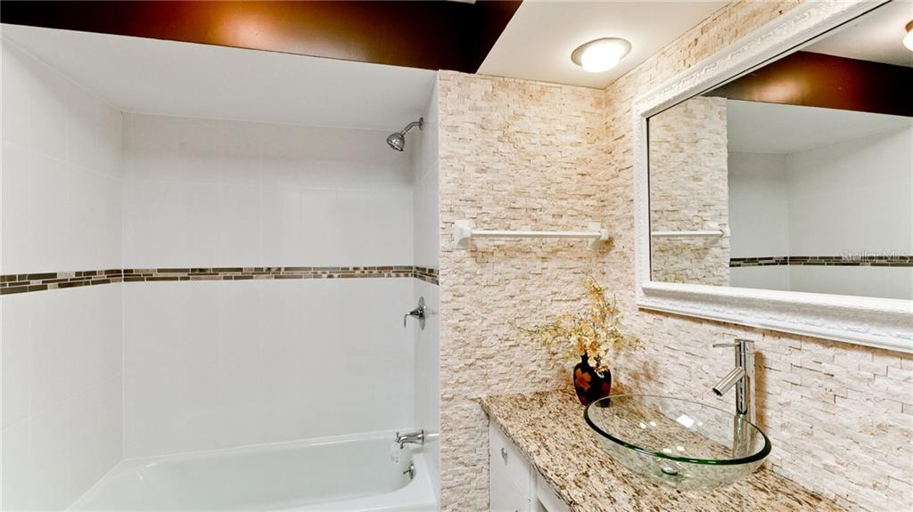 2nd bathroom - Villa for sale at 3230 Brunswick Ln #709, Sarasota, FL 34239 - MLS Number is A4175978
