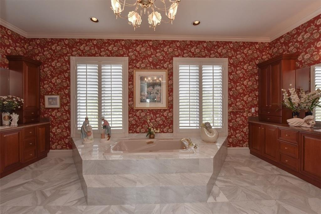 Master Bath with soaking tub - Single Family Home for sale at 4298 Boca Pointe Dr, Sarasota, FL 34238 - MLS Number is A4176372