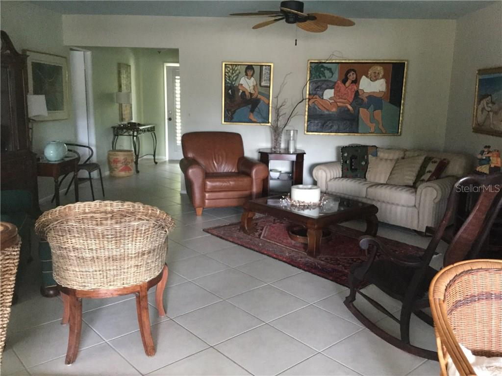 LIVING ROOM - Single Family Home for sale at 908 Contento Cir, Sarasota, FL 34242 - MLS Number is A4176469