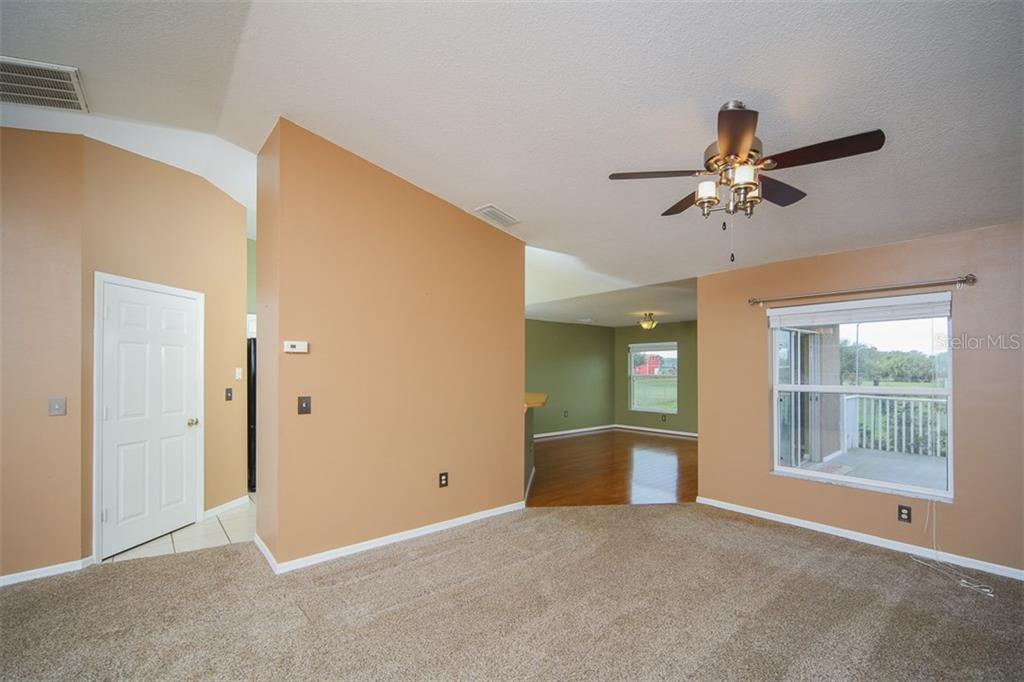Address Withheld, Palmetto, FL 34221 - photo 5 of 22