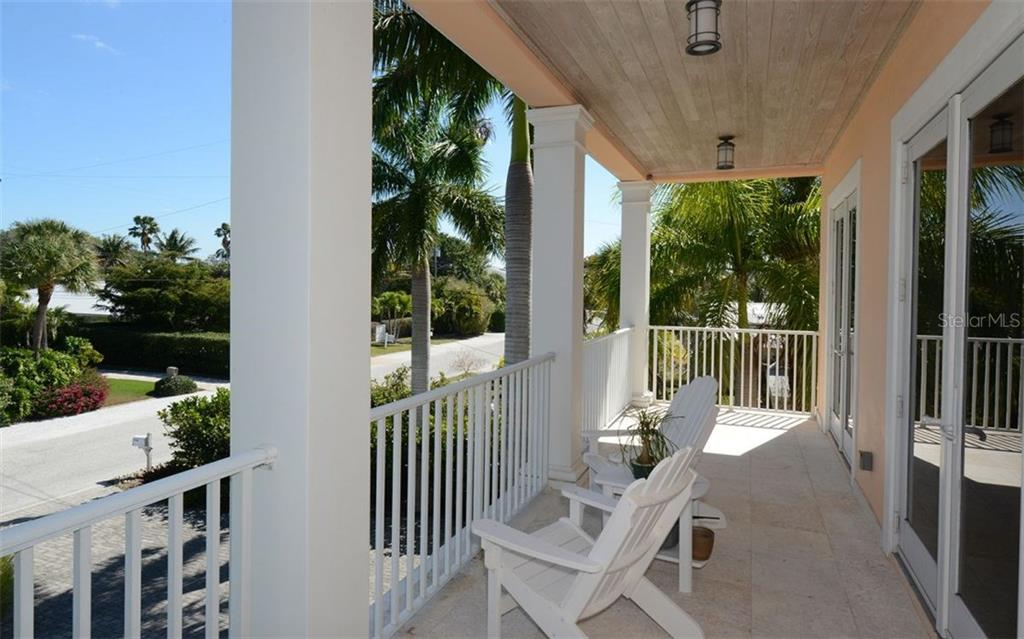 Single Family Home for sale at 225 N Polk Dr, Sarasota, FL 34236 - MLS Number is A4178355