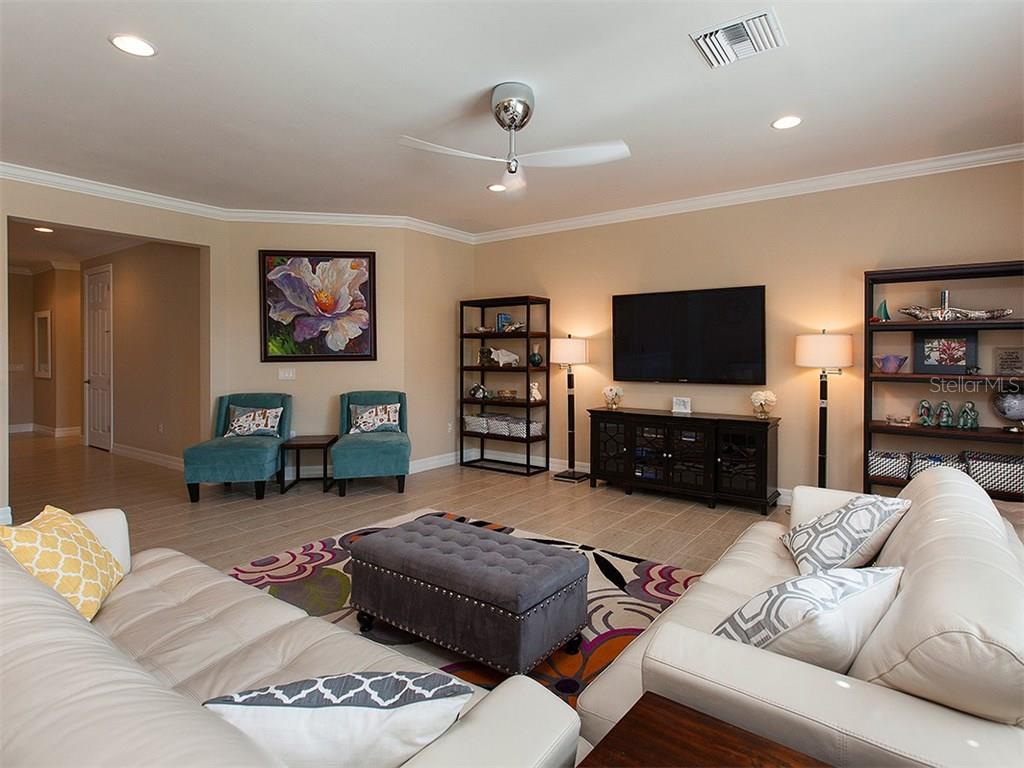 Relaxing Living offers such a bright and inviting feel. - Single Family Home for sale at 5436 Sundew Dr, Sarasota, FL 34238 - MLS Number is A4178629