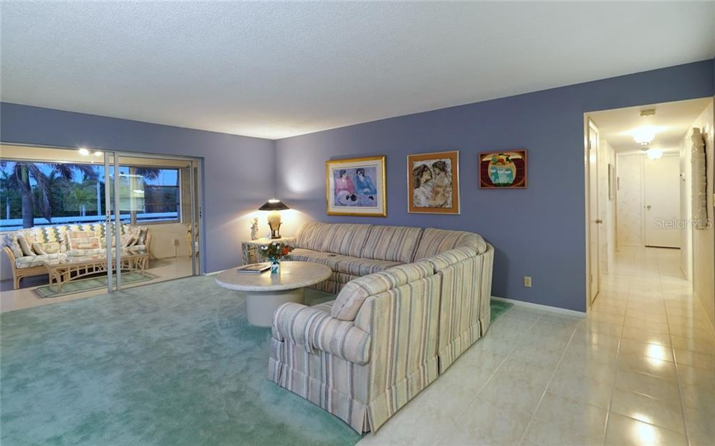Condo for sale at 1750 Benjamin Franklin Dr #2e, Sarasota, FL 34236 - MLS Number is A4182384