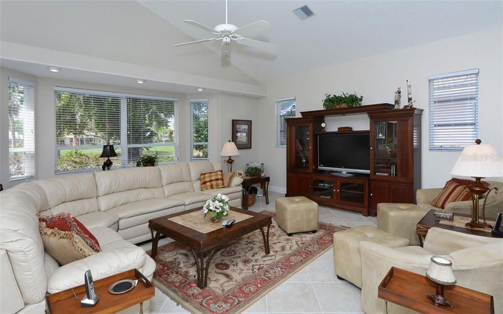Single Family Home for sale at 605 Khyber Ln, Venice, FL 34293 - MLS Number is A4182492