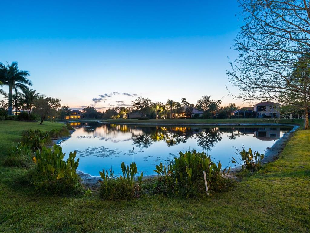 Single Family Home for sale at 6822 Dominion Ln, Lakewood Ranch, FL 34202 - MLS Number is A4184349