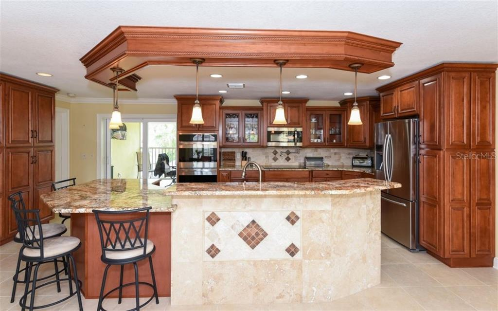 Bar & Kitchen - Single Family Home for sale at 1627 Shelburne Ln, Sarasota, FL 34231 - MLS Number is A4184556