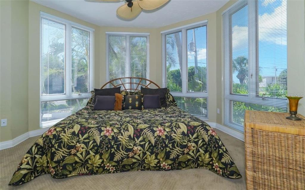 Living Room - Single Family Home for sale at 3380 Gulf Of Mexico Dr, Longboat Key, FL 34228 - MLS Number is A4185604