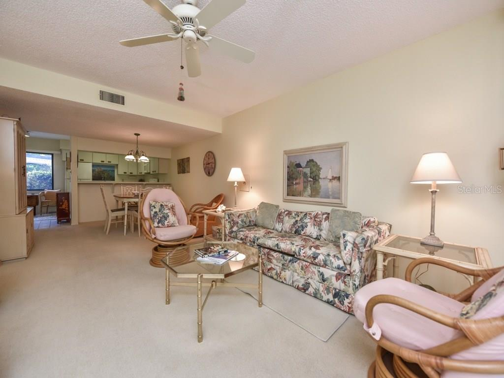 Condo for sale at 800 Hudson Ave #105, Sarasota, FL 34236 - MLS Number is A4185693