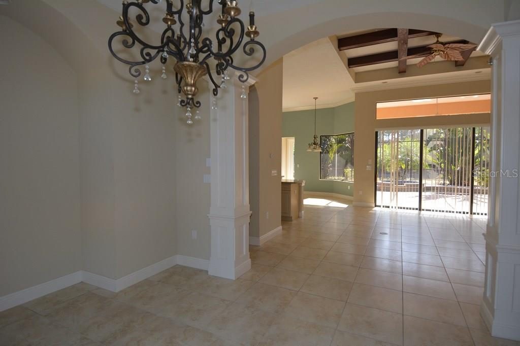 Single Family Home for sale at 6926 Brier Creek Ct, Lakewood Ranch, FL 34202 - MLS Number is A4186021