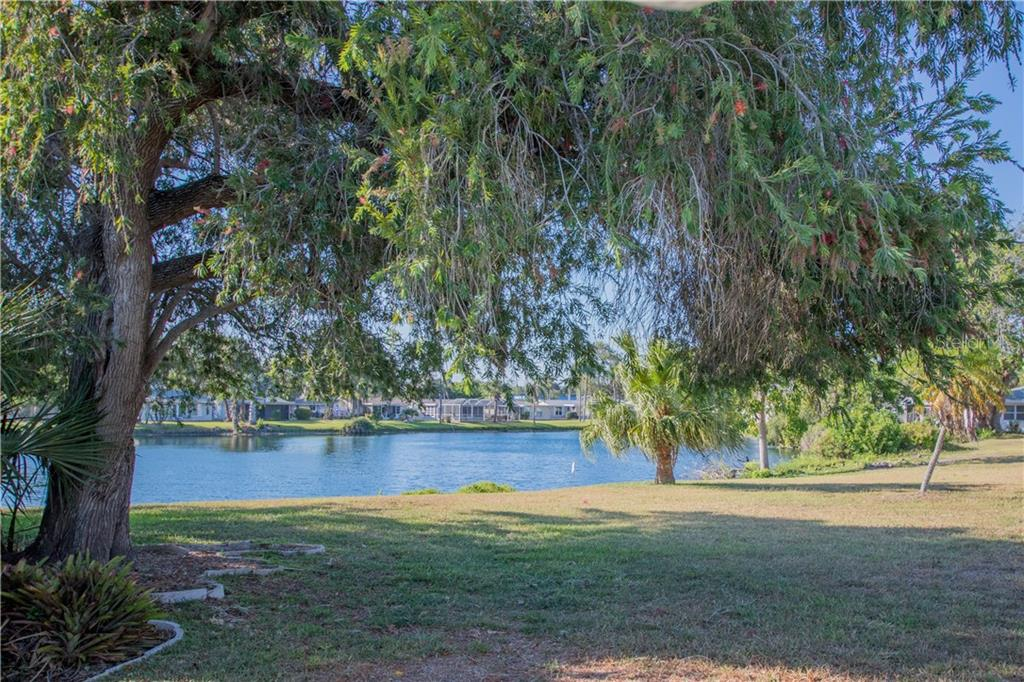 Villa for sale at 2312 Terry Ln, Sarasota, FL 34231 - MLS Number is A4186271
