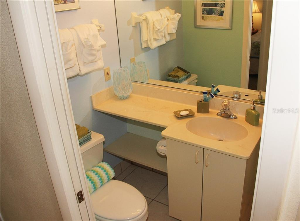 Guest bathroom - Condo for sale at 4621 Gulf Of Mexico Dr #11c, Longboat Key, FL 34228 - MLS Number is A4187979
