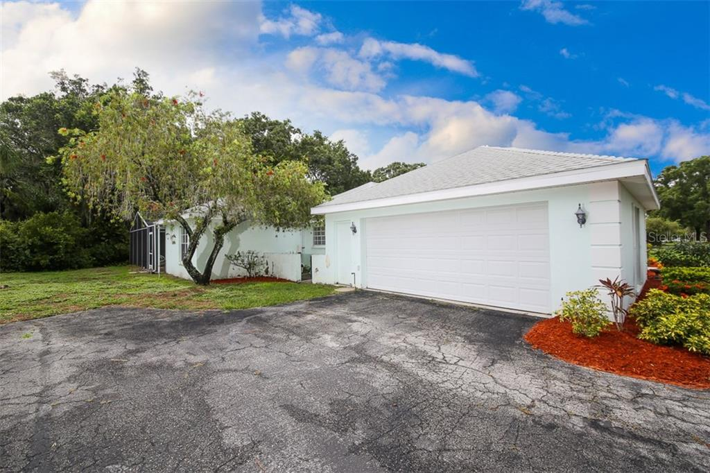 Single Family Home for sale at 5762 Timber Lake Dr, Sarasota, FL 34243 - MLS Number is A4188734