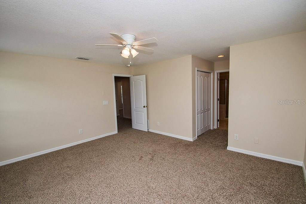 Master bedroom - Single Family Home for sale at 10212 37th Ct E, Parrish, FL 34219 - MLS Number is A4188756